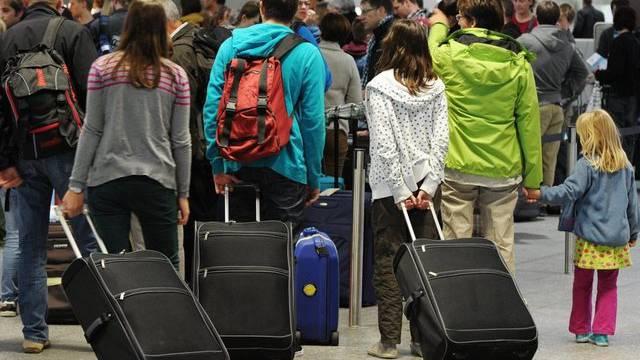 Passagiere am Flughafen Zürich (Archiv)