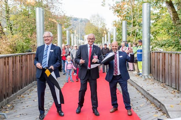 Strahlende Gesichter (von links): Jörg Wüst (Präsident Gewerbeverein Windisch plus), Urs Keller (OK-Präsident der Expo) und Didi Berger (Präsident Gewerbeverein Zentrum Brugg).