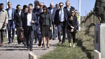 Der Uno-Sicherheitsrat hat seine Beratungen über den festgefahrenen Syrien-Konflikt nach Schweden verlegt. Die Botschafter der 15 Mitgliedstaaten trafen am Samstag im südschwedischen Backakra ein.