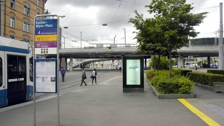 Werbescreen am Escher-Wyss-Platz