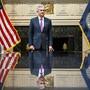 Die US-Notenbank Fed unter der Leitung von Jerome Powell hat signalisiert, erst einmal mit weiteren Zinsschritten zuzuwarten. (Archivbild)