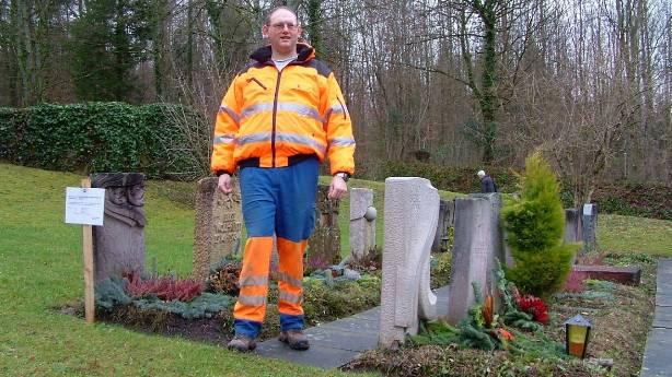 Friedhofsgärtner Beat Frei : «Die 57 Gräber müssen bis Mitte April geräumt sein.»