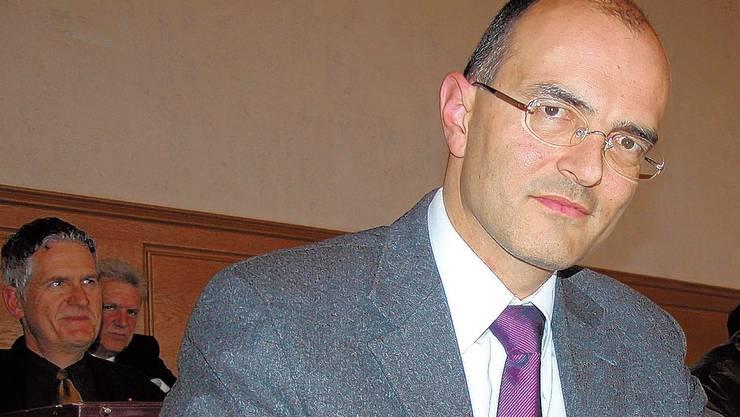 Ruedi Sutter (41) gehört dem Grossen Rat als Freisinniger seit 2006 an. Er ist Mitglied der Direktion der Credit Suisse und wohnt in Grosshöchstetten. Er ist verheiratet und Vater von drei Kindern.