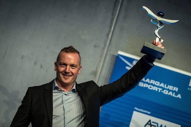 Rico Peter jubelt über die Wahl zum Aargauer Sportler 2015