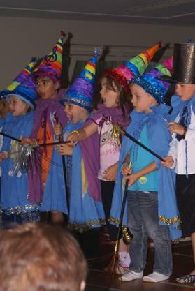 Die drei Kindergärten vom Schulhaus Eichholz präsentierten drei grossartige und berührende Zaubershows