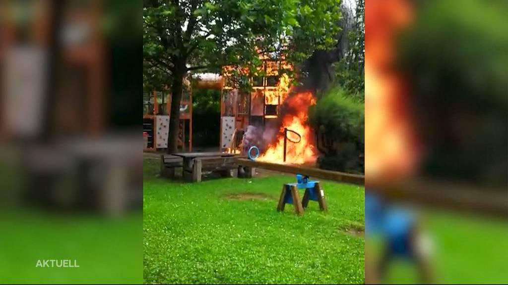 Spielplatz-Brand: Hat wirklich ein zündelndes Kind das Feuer ausgelöst?