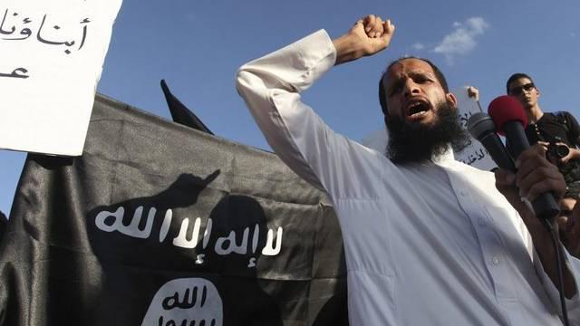 Werden selber zum Ziel von Attacken: Militante Islamisten demonstrieren gegen das Mohammed-Video (Archvi)