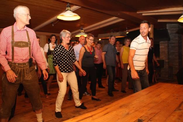 Linedance in der Hütte, ein Gaudi