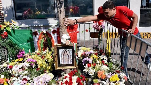 Ein Mann am Ort der angeblichen Marien-Erscheinungen in West New York