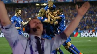Island - England 2:1 – Kommentator dreht bei den Toren völlig durch.