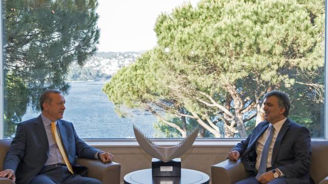Der türkische Präsident Gül (rechts) mit Regierungschef Erdogan