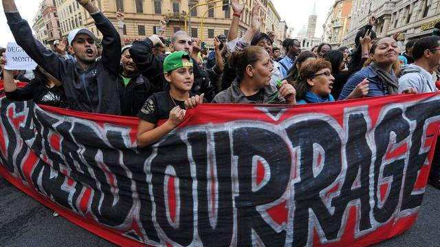 """Ein Demonstrationszug in Rom zum """"No-Monti-Day"""""""