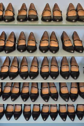 Mit den verschiedenen Schlupfgrössen können die Kunden und Kundinnen ausprobieren, welche Grösse und Weite ihr Schuh haben sollte