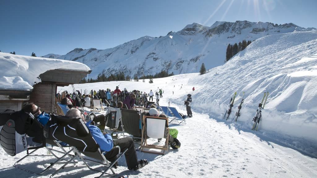 Antibakterielle Halsschläuche – die Lösung für die Skigebiete?