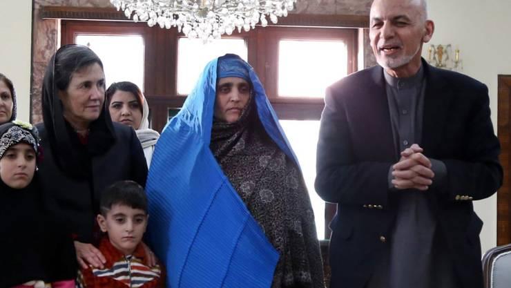 Afghanistans Präsident Aschraf Ghani (rechts) hat der Korruption im Lande den Kampf angesagt. (Archivbild)