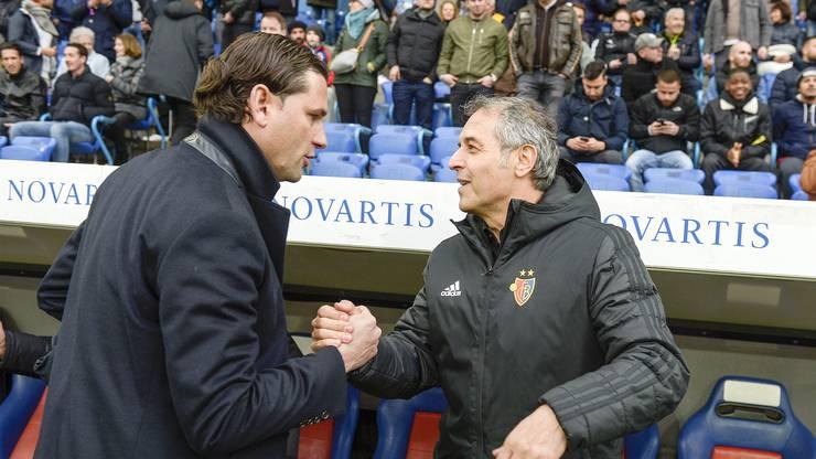 Dann ist die Partie zu Ende und die Trainer Gerardo Seoane (l.) und Marcel Koller (r.) geben sich die Hand zum Unentschieden.