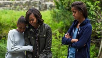 Michelle Obama mit ihren beiden Töchtern Sasha und Maila.