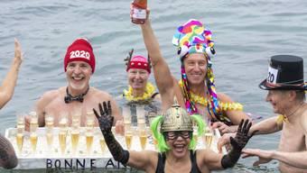 """Neujahrsvorsätze sind erfolgreicher, wenn sie positiv formuliert werden. Also besser """"ich geh mehr schwimmen"""" als """"ich trinke keinen Alkohol mehr"""". (Symbolbild)"""