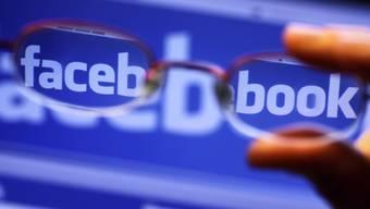 Facebook will die 87 Millionen User, deren Daten angeblich an Dritte weitergegeben wurden, direkt informieren.