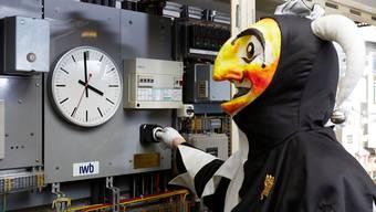 Ein paar Sekunden noch, dann wird der Schalter gedreht: Die IWB verlassen sich auf eine Atomuhr, die auf die Hundertstelsekunde genau ist. C. Kern, A.Fischer/IWB