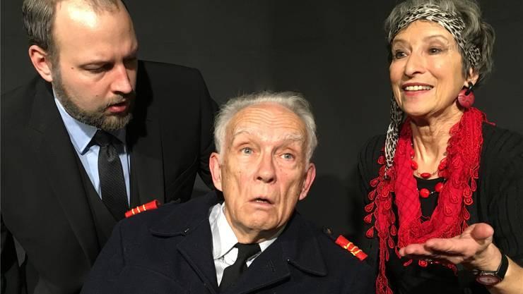 Sie zanken sich in «Play Strindberg» (v. l.): Kurt (Patrick Streit), Edgar (Rudolf Fischer) und Alice (Franziska Bussmann).