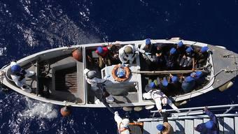 Operation Sophia: Für die Schleuserbekämpfung im Mittelmeer gestartet, aber in der Praxis vor allem Flüchtlinge gerettet. (Archivbild)