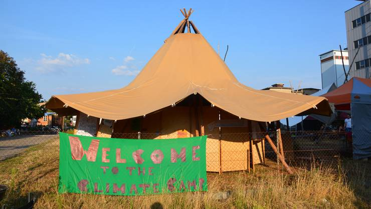 Das Climate Camp macht die Verantwortlichen des Ölhafens nervös.
