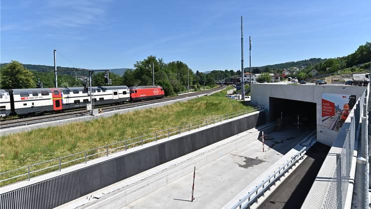 Die Bauarbeiten laufen auf Hochtouren, im Dezember wollen die SBB den Einspurtunnel in Betrieb nehmen. Bruno Kissling