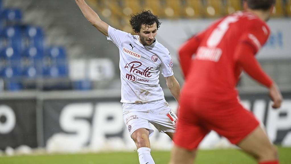 Miroslav Stevanovic erzielt mit einem Schlenzer das 1:0 für Servette