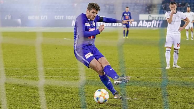Der Penalty ins Luzerner Glück: Pascal Schürpf trifft vom Punkt zum 2:1. Weitere Bilder zum Spiel gibt's in der Galerie.