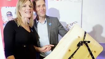 Benjamin Raich und Marlies Schild am Donnerstag, 10. September 2015 in Wien. Damals war der kleine Joseph erst mittelbar anwesend, seit Dienstag kennt er das Licht der Welt (Archiv).
