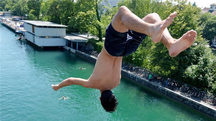 Wie vor einigen Wochen müssen Badegäste nun also wieder auf der Webseite des Sportamtes prüfen, ob sie Platz haben oder nicht.