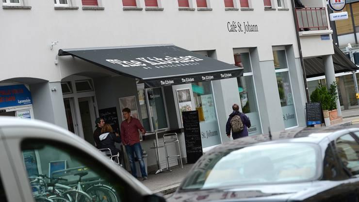 Ein Modell, bei dem beide verdienen: Wer im Café St. Johann Focacce von «The Kitchen» bestellt, bezahlt einen kleinen Service-Aufpreis.