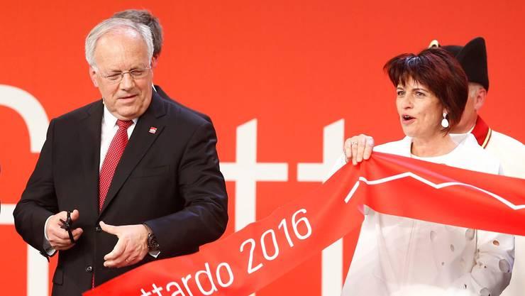 Johann Schneider-Ammann und Doris Leuthard bei der Einweihung des neuen Gotthard-Tunnels.