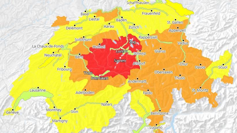 Bund warnt nun vor sehr heftigen Gewittern in der Zentralschweiz