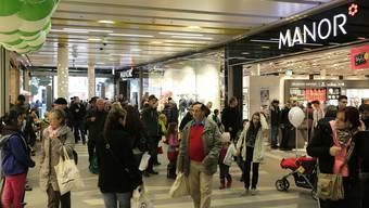 Wegen eines Alarms nach einem technischen Problem mussten die Kunden im Bücheli Center heute evakuiert werden. (Archivbild)