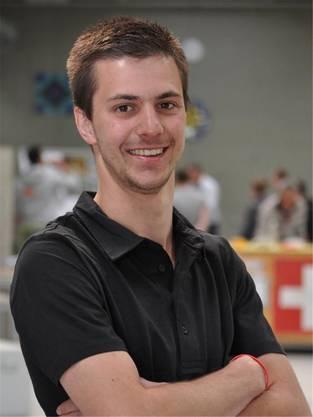 Der Plattenleger aus Wallbach arbeitet bei der Robert Kaufmann GmbH.