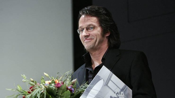 Der deutsche Schriftsteller Ralf Rothmann - hier 2006 bei der Entgegennahme des Max-Frisch-Preises der Stadt Zürich - erhält dieses Jahr den mit 20'000 Franken dotierten Uwe-Johnson-Preis.