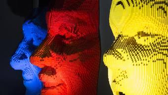 Zürich - 24.9.15 - Vom Anwalt zum Künstler. Zum ersten mal stellt der New-Yorker Nathan Sawaya seine Skulpturen und Bilder aus Lego-Bausteinen in der Schweiz aus.