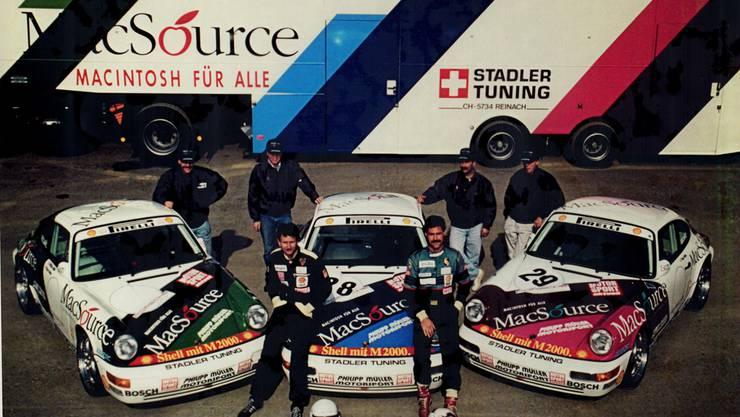 Politiker mit Benzin im Blut: Philipp Müller (vorne links) und sein Porsche-Rennteam im Jahr 1992.
