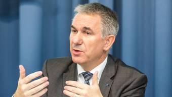 Regierungsrat Alex Hürzeler ist der Meinung, die SRF käme auch mit weniger Geld aus.