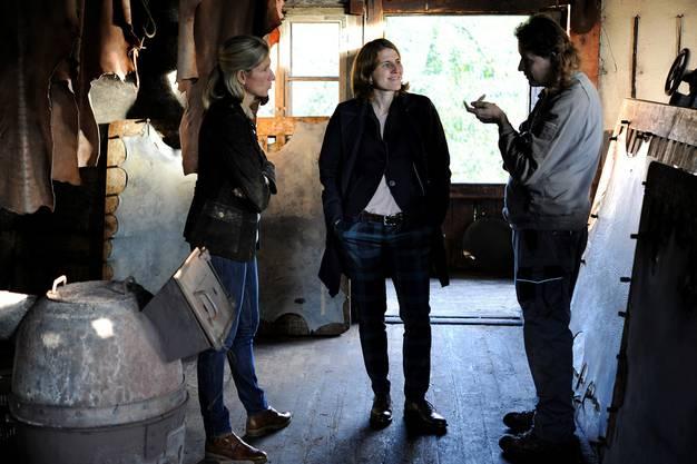 Conny Thiel-Egenter (ganz links) bespricht sich mit dem Steffisburger Gerber Jürg Zeller.