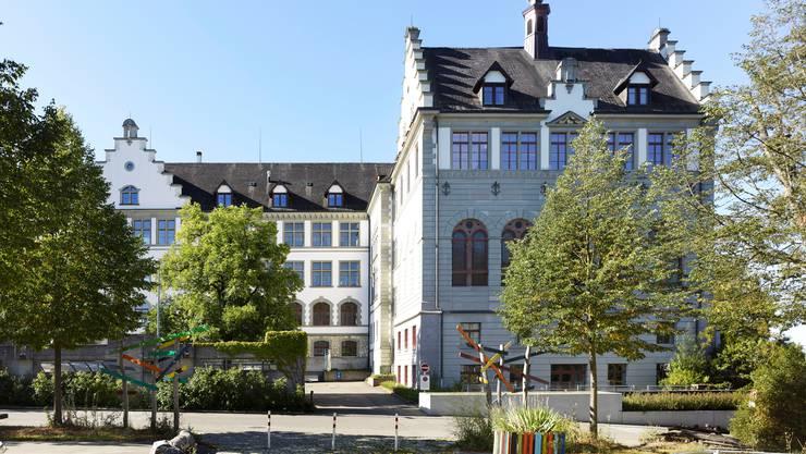Muss auf Anordnung des Kantons früher schliessen: Die Kantonsschule Schaffhausen.
