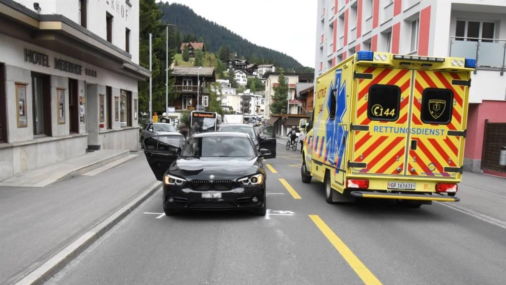 In Davos Dorf ist am Donnerstag ein 6-Jähriger von einem Auto erfasst und mittelschwer verletzt worden.