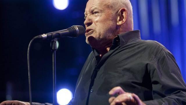 Joe Cocker mit seiner neuen Klaviergeste (Montreux 2013, Archiv)