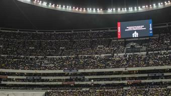 Kein Spiel, aber nach dem Flugzeugabsturz volle Ränge im Stadion, in dem der Final hätte gespielt werden sollen