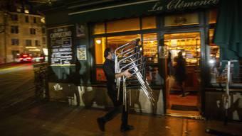 Seit dem 2. November herrscht in Genf ein erneuter Lockdown, von dem Restaurants, Café, Bars und Geschäfte betroffen sind.
