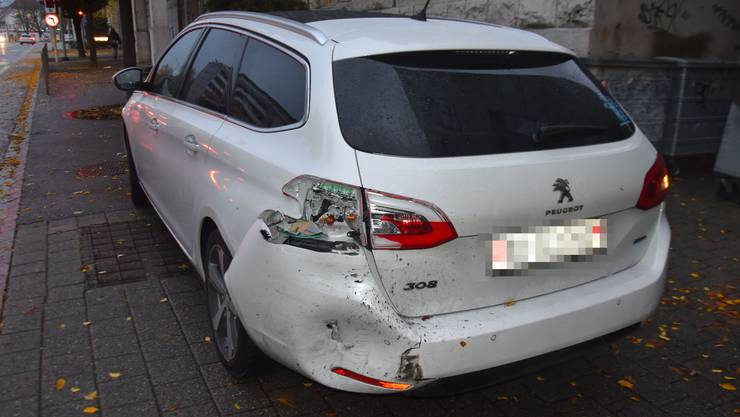 A1 bei Wiedlisbach, 28.Oktober: Der mutmassliche Unfallverursacher fuhr nach einer Auffahrkollision einfach weiter.