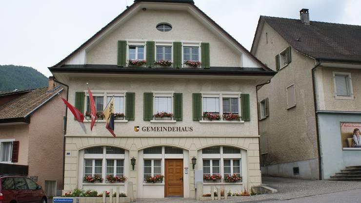 Müsste saniert werden: Das Gemeindehaus an der Schmiedestrasse.