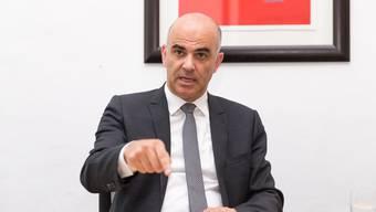 «Die Polizei hat viel weiter gehende Möglichkeiten» Innenminister Alain Berset zu den Versicherungsdetektiven.